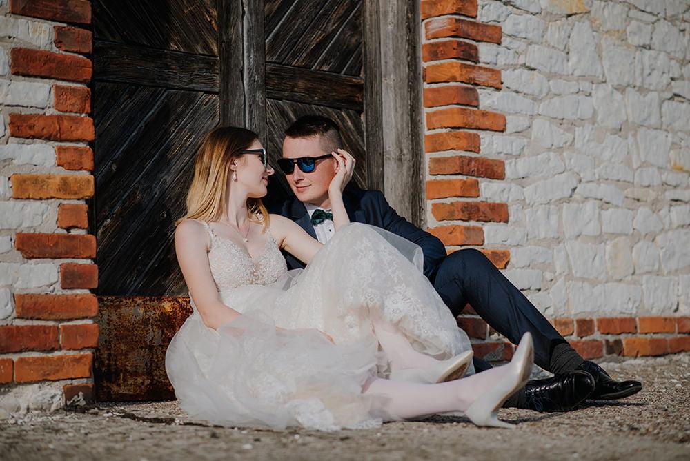 Plener Ślubny wieża w Stołpiu kamerzysta na wesele